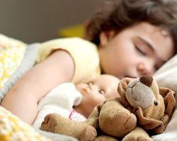 Как приучить ребенка засыпать самому