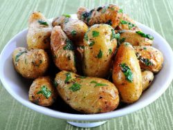 Картофель в мундире: два способа сварить полезный гарнир