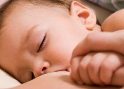 Кормление грудью новорожденных