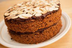 шоколадно миндальный торт