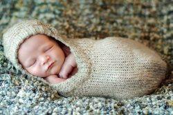Вязаный спальный мешок для новорожденного