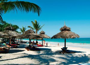 Отдых на пляже Диани
