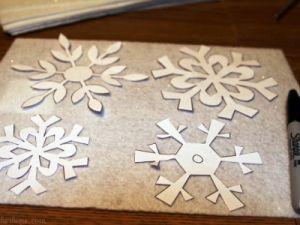 Снежинки из фетра2