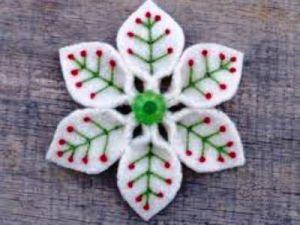 Снежинки из фетра9