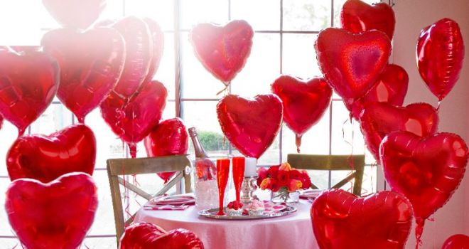 slide-valentines-day-balloons-161229