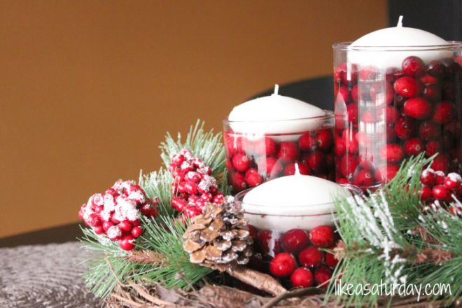 interior-white-candles-with-red-fruits-inside-glass-combined-with-pines-and-the-leaves-beautiful-simple-table-decor-ideas-sweeten-your-special-moment-728x485