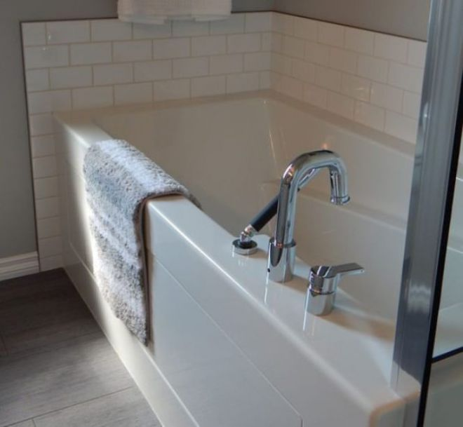 Кран в ванной