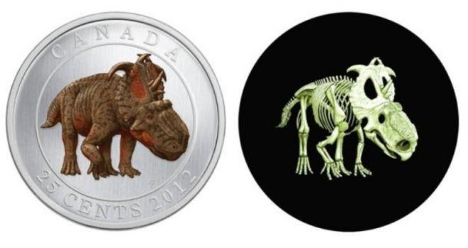 Монета с динозавром