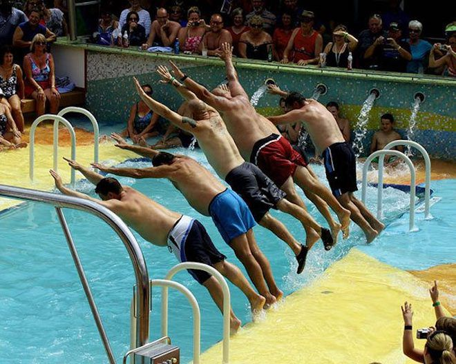 Соревнования по плюханью в воду