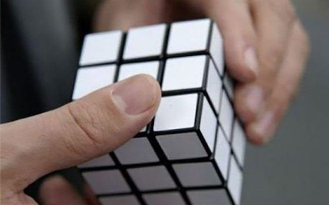 Белый кубик