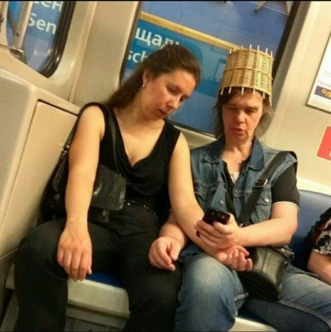 Чудики в метро - Страница 2 19passazhiry