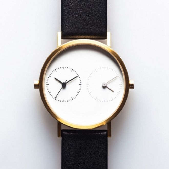 Часы с двумя циферблатами