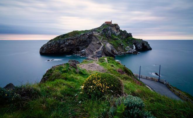 Испанский островок Гастелугаче