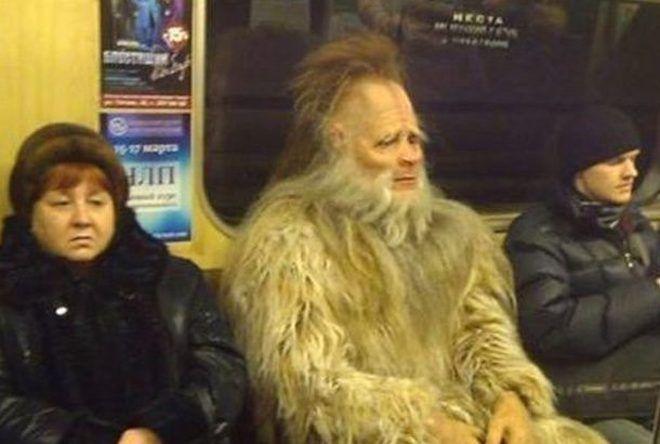 Сказочный персонаж в метро
