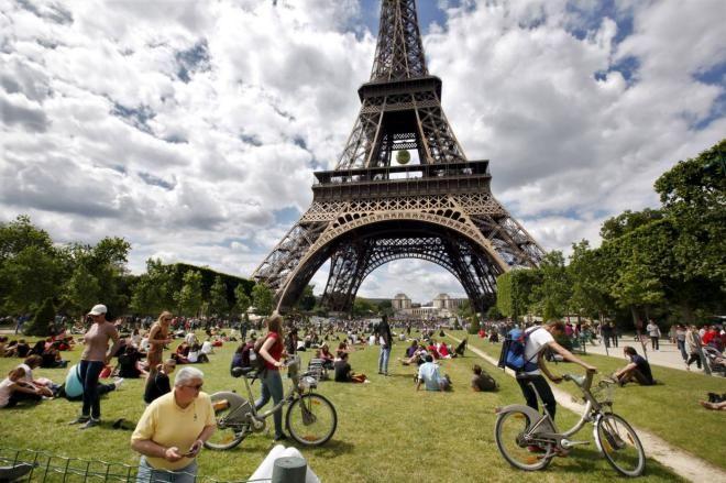 Франция самая популярная страна для туристов