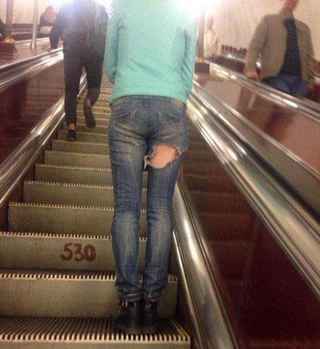 Чудики в метро - Страница 2 20zashit_etu_dyrku