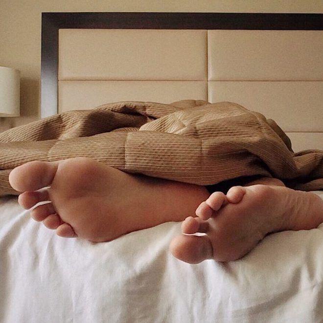 ней картинки вытащил ногу из под одеяла скормили почти