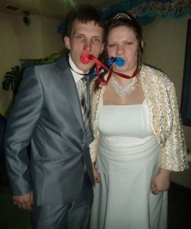 Русскую свадьбу умом не понять: 25 «угарных» фотографий  - Страница 2 25vy_videli_vsyo_3