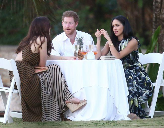 Принц Гарри с девушкой