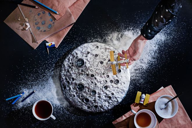 торт с кратерами