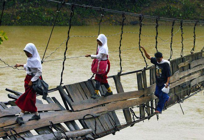 Власти уже строят новый мост