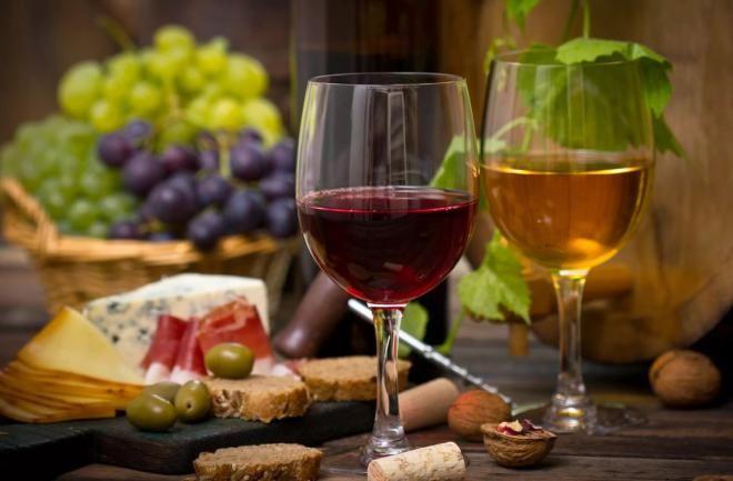 Почти каждая трапеза сопровождается вином