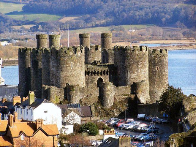 Замок в Уэльсе
