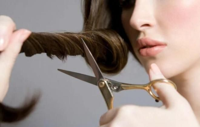 Беременным нельзя подстригать волосы