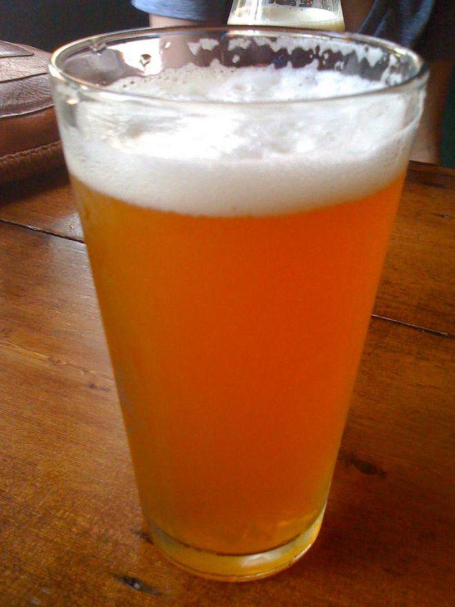 Пиво в стекле
