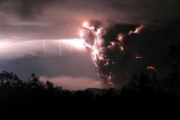 Вулканическая молния 2
