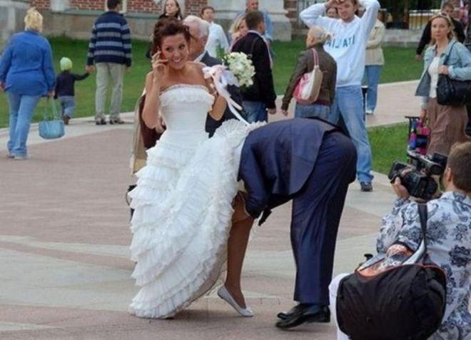 Жених под юбкой невесты