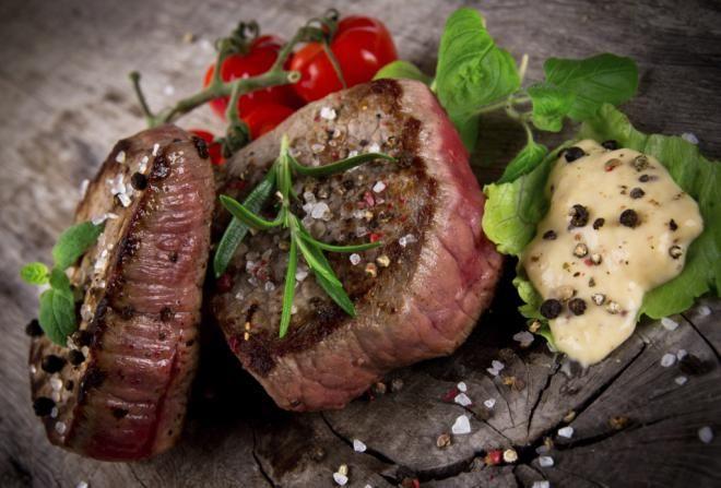 Включайте в рацион мясо и рыбу