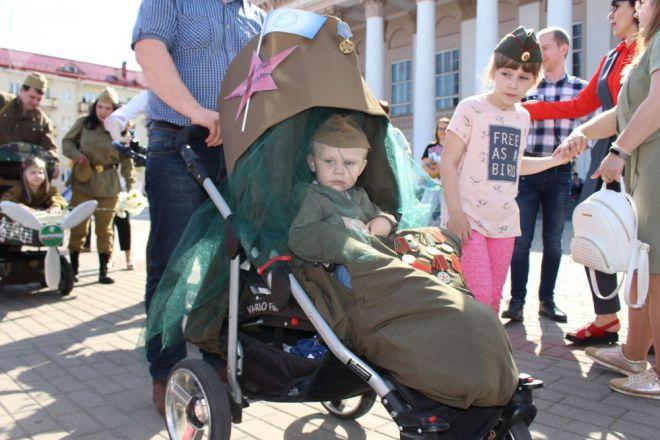 парады детских колясок