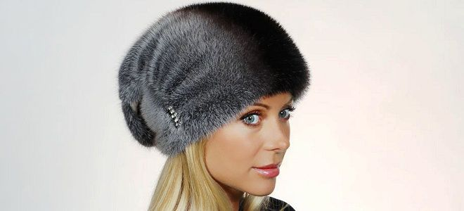 женские норковые шапки модные модели с ушками помпоном