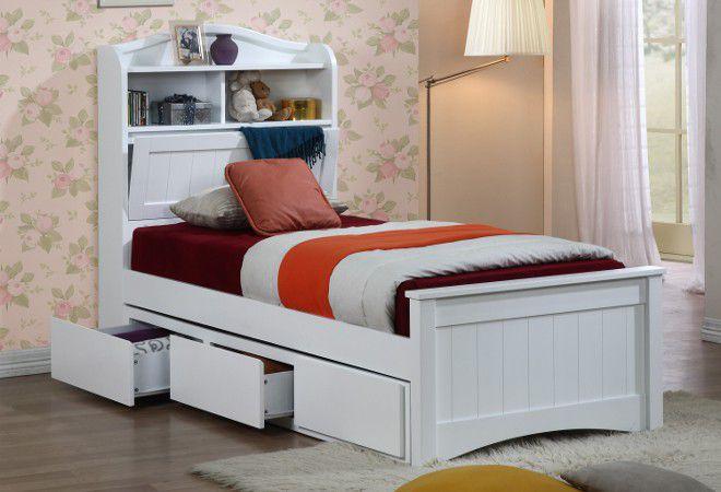 Изголовье кровати с полками