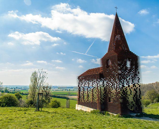 прозрачная церковь бельгия