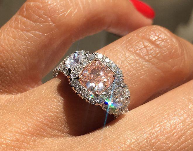 поздравлений самый большой бриллиант в кольце фото гости, приезжая москву