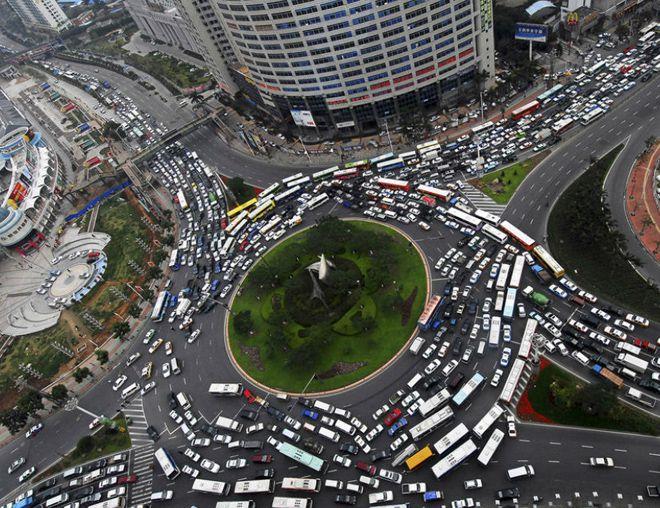 ужасное движение на дорогах