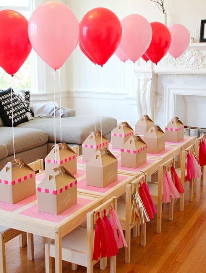Интересная задумка - подарки с шариками для каждого гостя