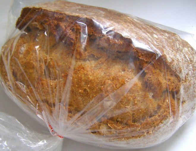 освежаем затвердевший хлеб