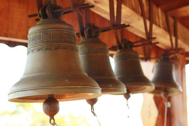 французские колокола перед Пасхой улетают в Рим
