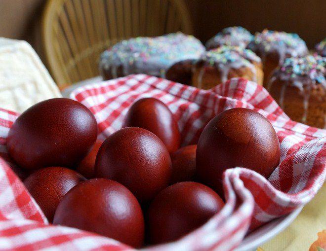 обычай красить яйца придумали не христиане