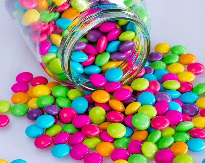 разноцветное драже