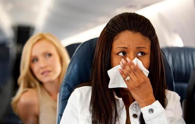 не летать в те периоды, когда вы сильно простудились