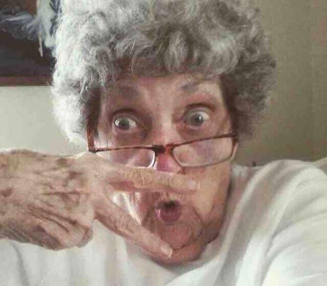 селфи бабушка