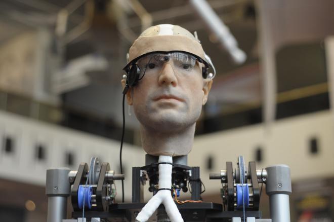 Люди, управляющие эмоциями - роботы