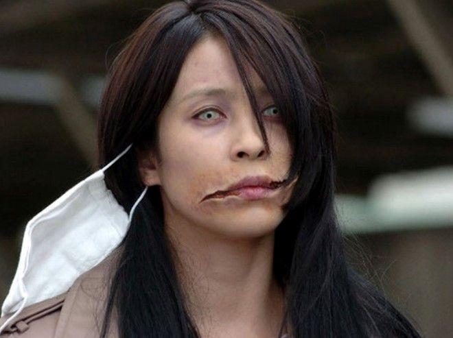женщина с разорванным ртом