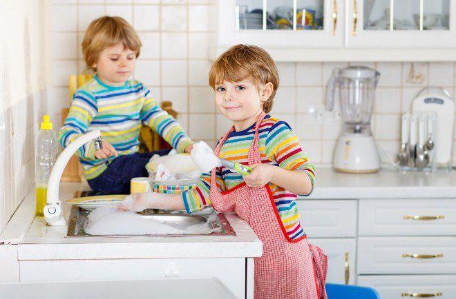 человек тратит 52 часа в год на мытье посуды