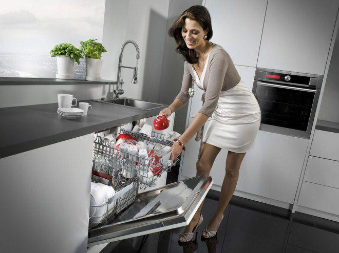 домохозяйки перестали считать посудомоечную машину дурным тоном лишь в 1950-х
