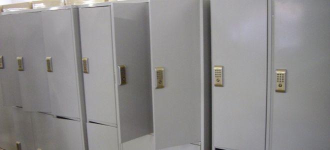 металлические шкафы с замком для хранения вещей